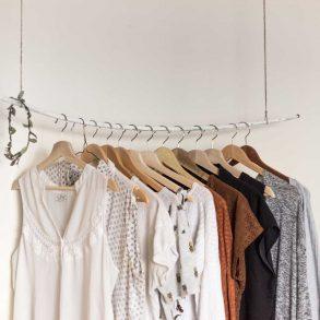Wieszaki z ubraniami