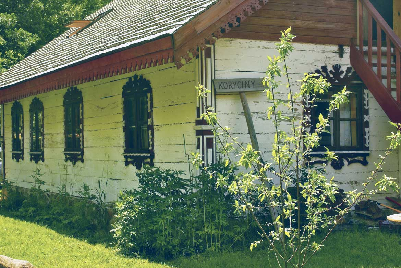 stary drewniany dom na podlasiu