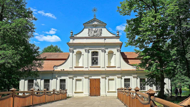 Kościół na wyspie w Zwierzyńcu