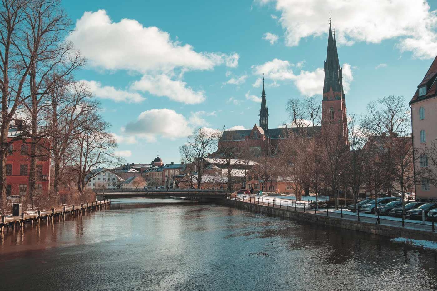 Widok na katedrę protestancką w mieście Uppsala