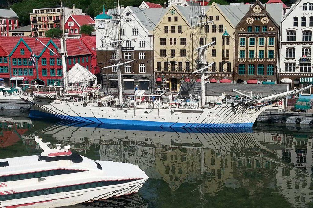 Legoland, miasteczko z portem wykonane z klocków lego