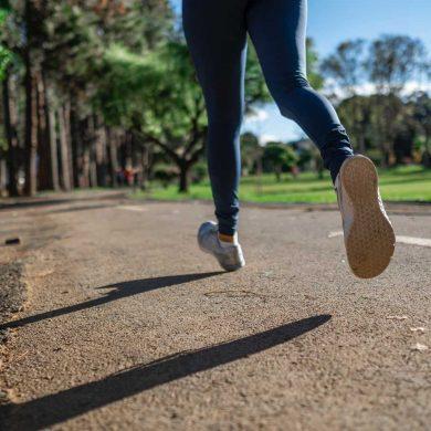 Osoba uprawiająca jogging
